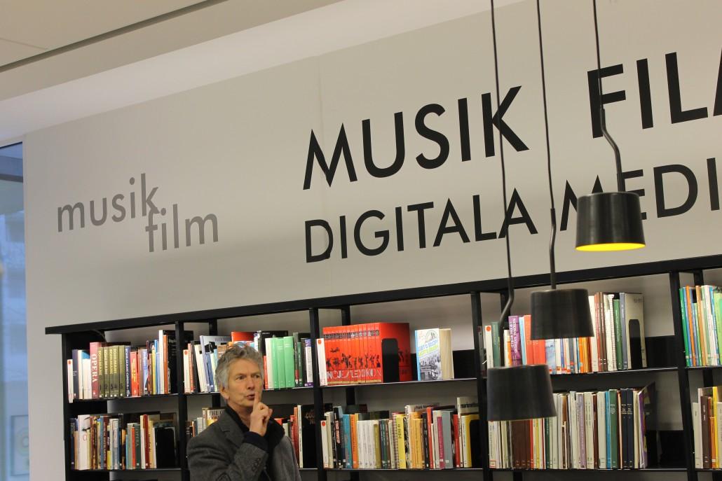 Kan man sjunga på bibliotek? Jo, i Varberg. Här finns en stor och en liten teater för ändamålet.