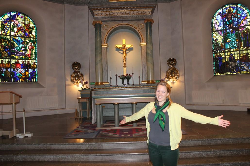 Sara Hjort leder studentkören i Varberg, som kommer att sjunga i kyrkan. här finns plats för 500 åhörare.