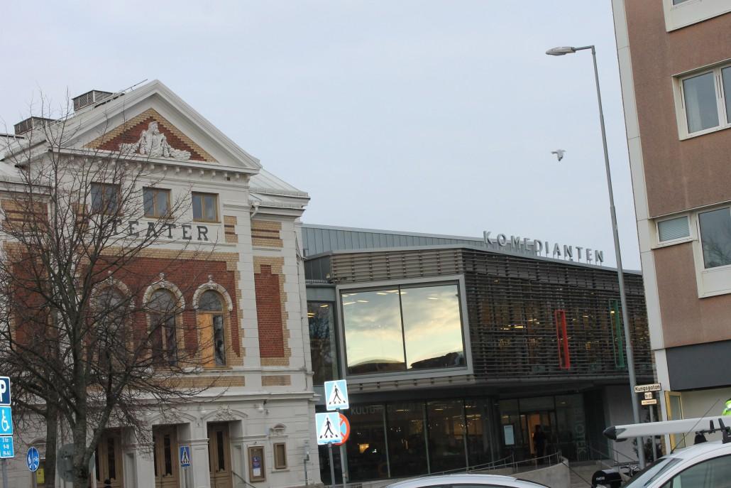 så här hänger bibliotek och teater ihop.